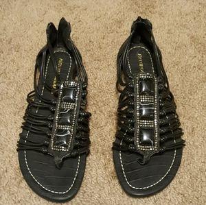 Arturo Chiang black flat sandals